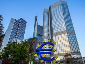 EZB: Insgesamt sollen Käufe in Höhe von 1,14 Billionen Euro eine Deflation verhindern.