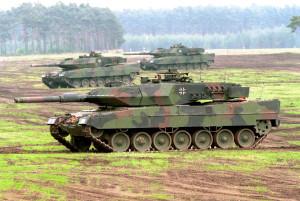Kampfpanzer Leopard 2 A5 bei einer Lehr- und Gefechtsvorführung.